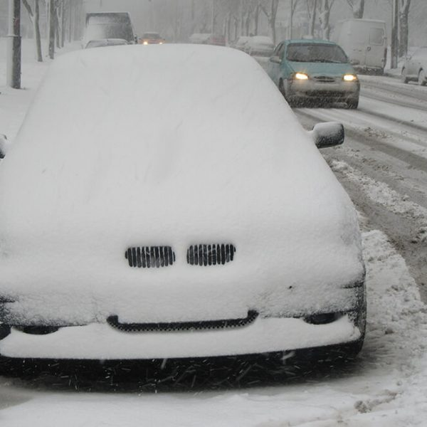 Is Covering A Car In Winter A Good Idea?